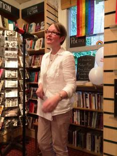 anna.larner.writer@gaystheword